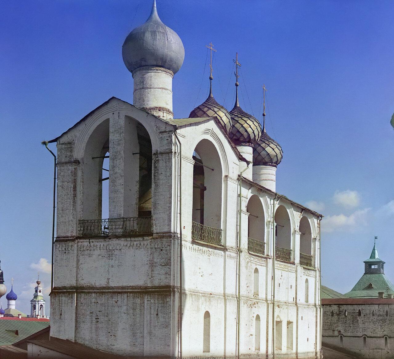 Кремль. Колокольня (построена митрополитом Ионою)