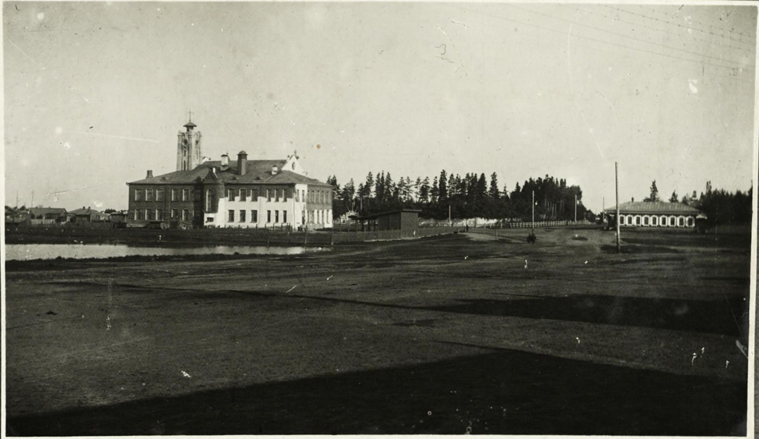 Андреевская площадь и Андреевская школа