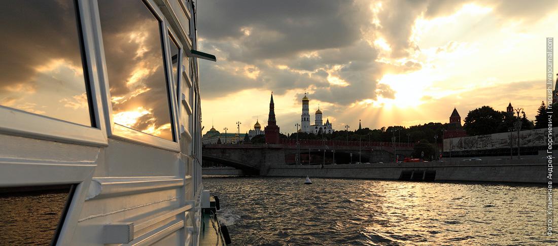 прогулка по Москве-реке на теплоходе КолесовЪ