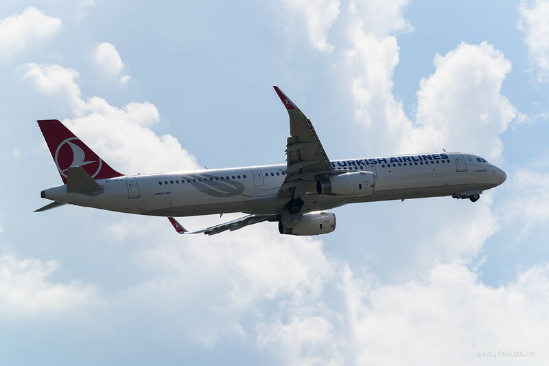 Airbus A321-231 (TC-JTJ) Turkish Airlines 0590_D804522