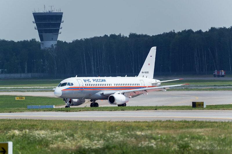 Сухой Superjet 100-95LR (RA-89066) МЧС 0570_D804511