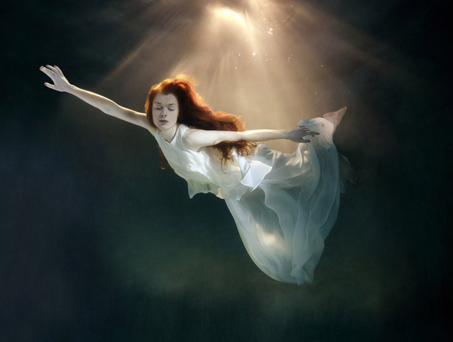 Девушки под водой (фотограф Марк Моусон)
