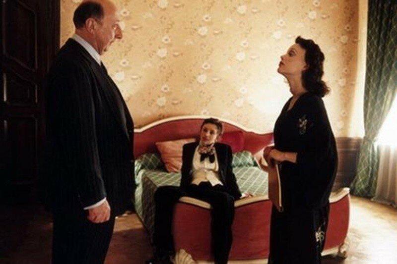 Розовая жизнь Эдит Пиаф (кадры из фильма)