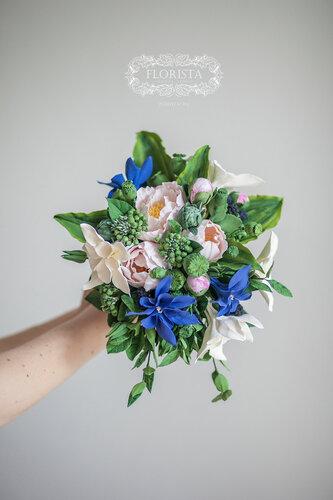 Букет невесты в BOHO-стиле с красными розами.