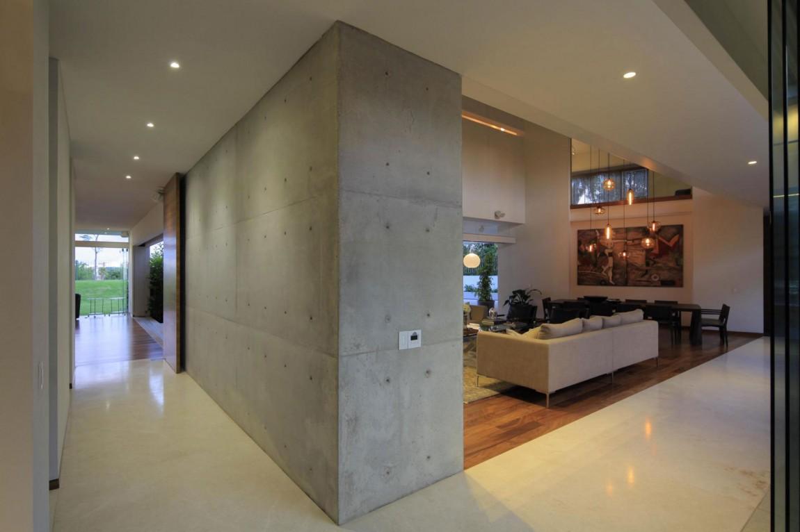 Двухэтажный дом Casa Siete от Hernandez Silva Arquitectos