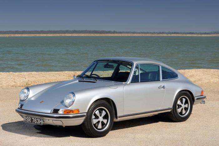 Porsche 911 Сложно поверить, однако такой именитый цикл автомобилей, как Porsche 911, далеко не всег