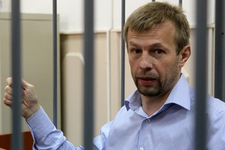 Прежний мэр Ярославля Урлашов в заключительном слове прочитал стихи окораблях