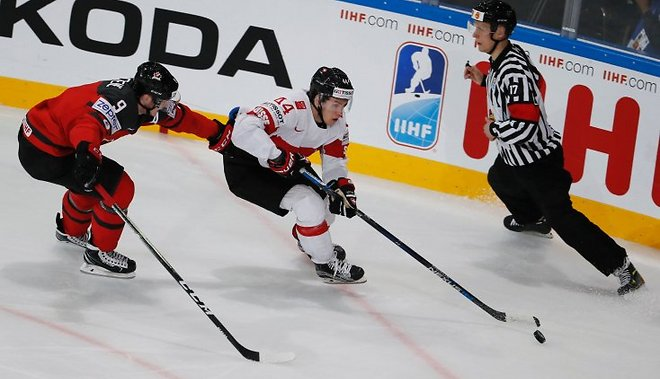 Сборная Канады проиграла Швейцарии наЧМ похоккею