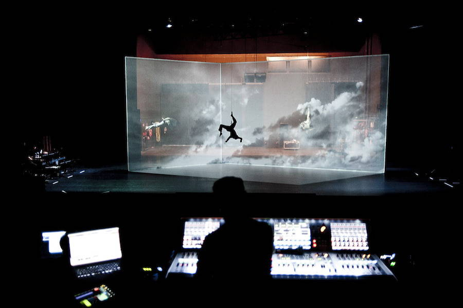 3D Mapping Dance Scenography