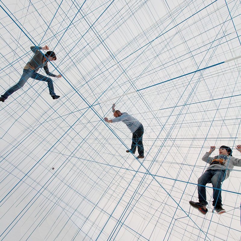 A Massive Inflatable String Jungle Gym by Numen/For Use (8 pics)