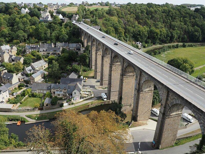 Франция, Динан - вид с крепостной стены (France, Dinan - view from the fortress wall)