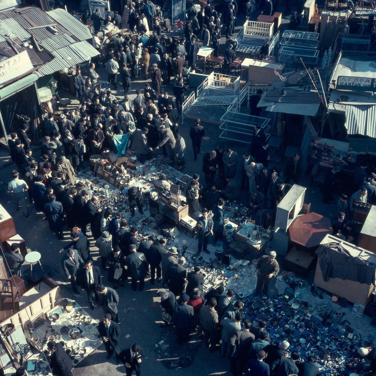 Восточный базар в воскресное утро