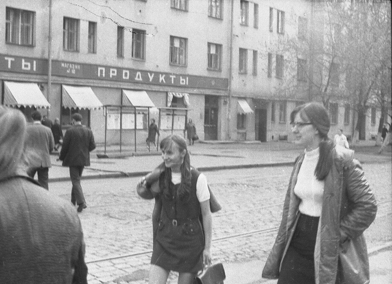 1974. Угол Сущёвского Вала и Тихвинской улицы. (фотограф Игнатущенко С.К.)