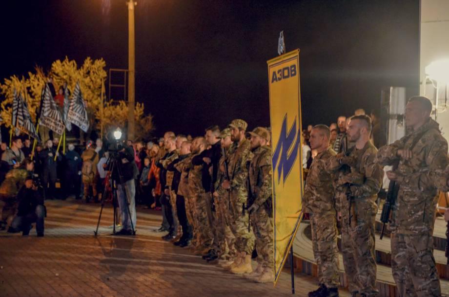 """«Именно здесь бойцами """"Ягуара"""" был нанесен смертельный удар кремлевскому медведю-шатуну, который не смог найти норы на Слобожанщине», - Порошеко открыл памятную доску бойцам, которые освободили Харьковскую ОГА"""