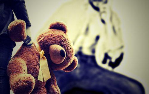 ВСамарской области нетрезвый  педофил насиловал девушек  наулице