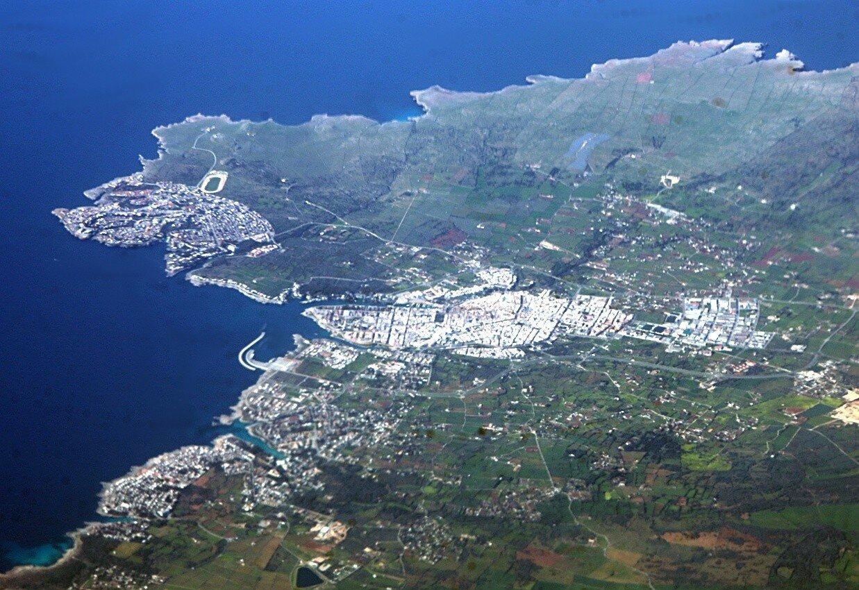 Сьютаделья-де-Менорка. Вид с воздуха