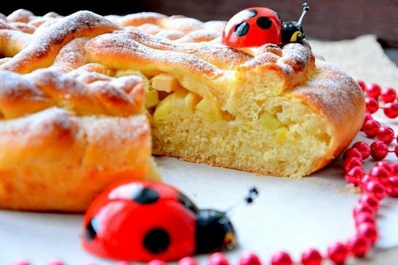 Пирог «Фантазия» с яблоками