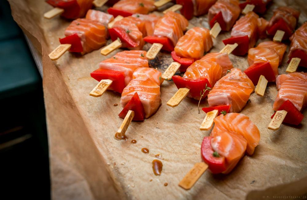 Ингредиенты: филе норвежского лосося болгарский перец томаты прованские травы Как это появлялось на