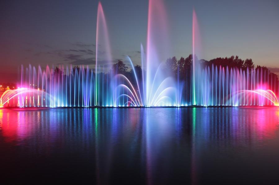 5. Фонтан в Виннице (Украина) Самый большой фонтан в Европе Фонтан открылся в 2011 году рядом с озе