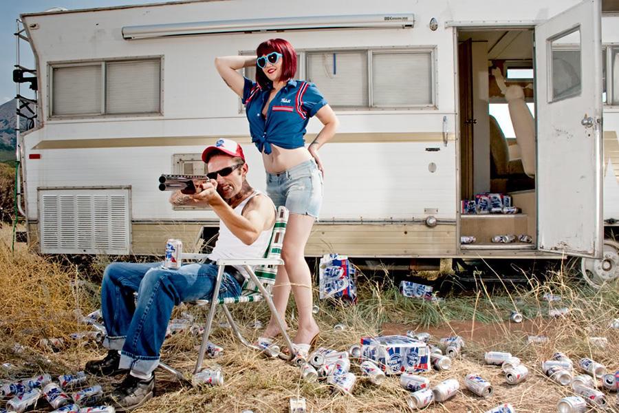 9. White trash (США) Отличительная черта: живет в трейлере. Любимый напиток: пиво и травка. Любимая