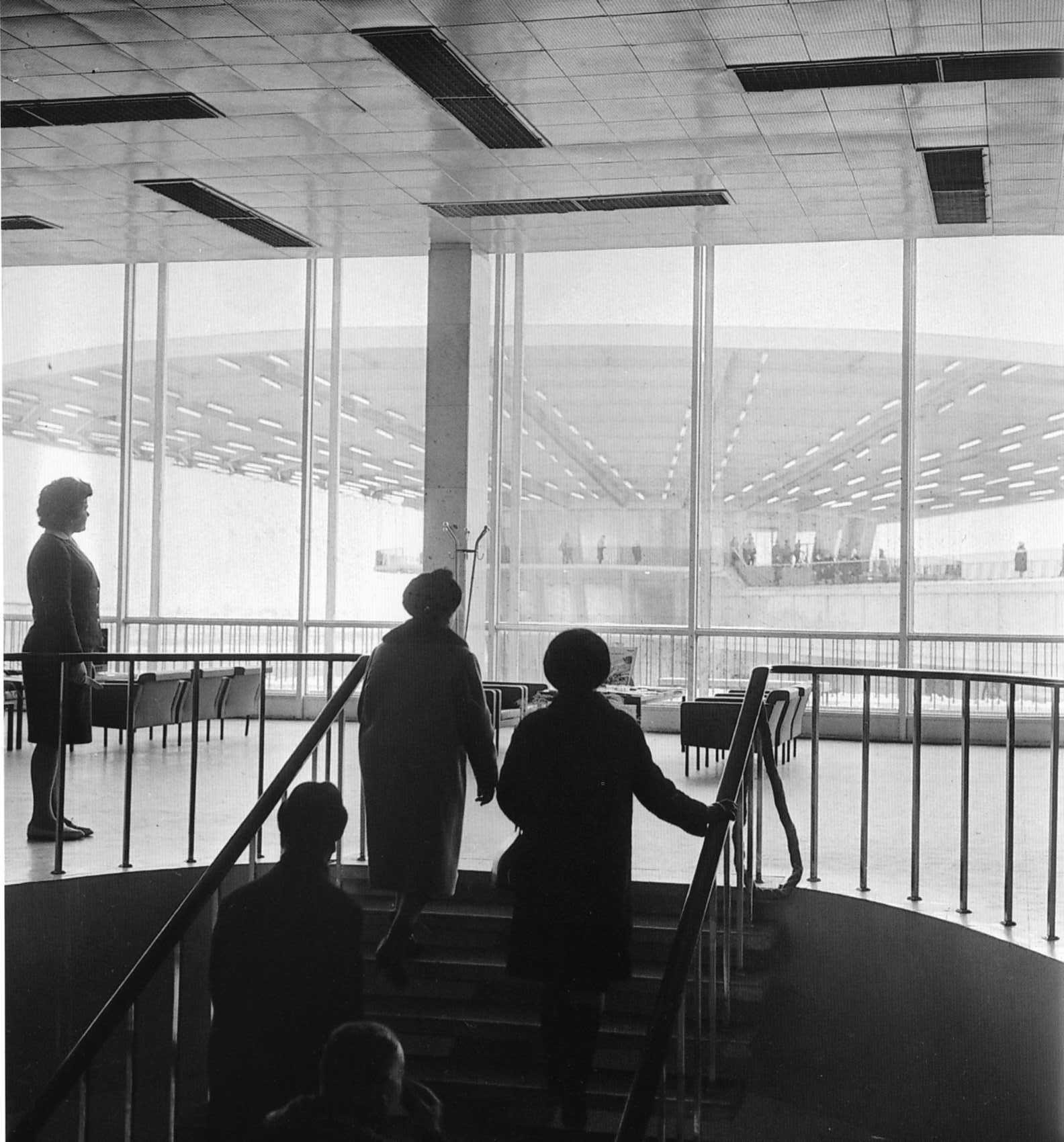 Выход на посадку, 1964 год.