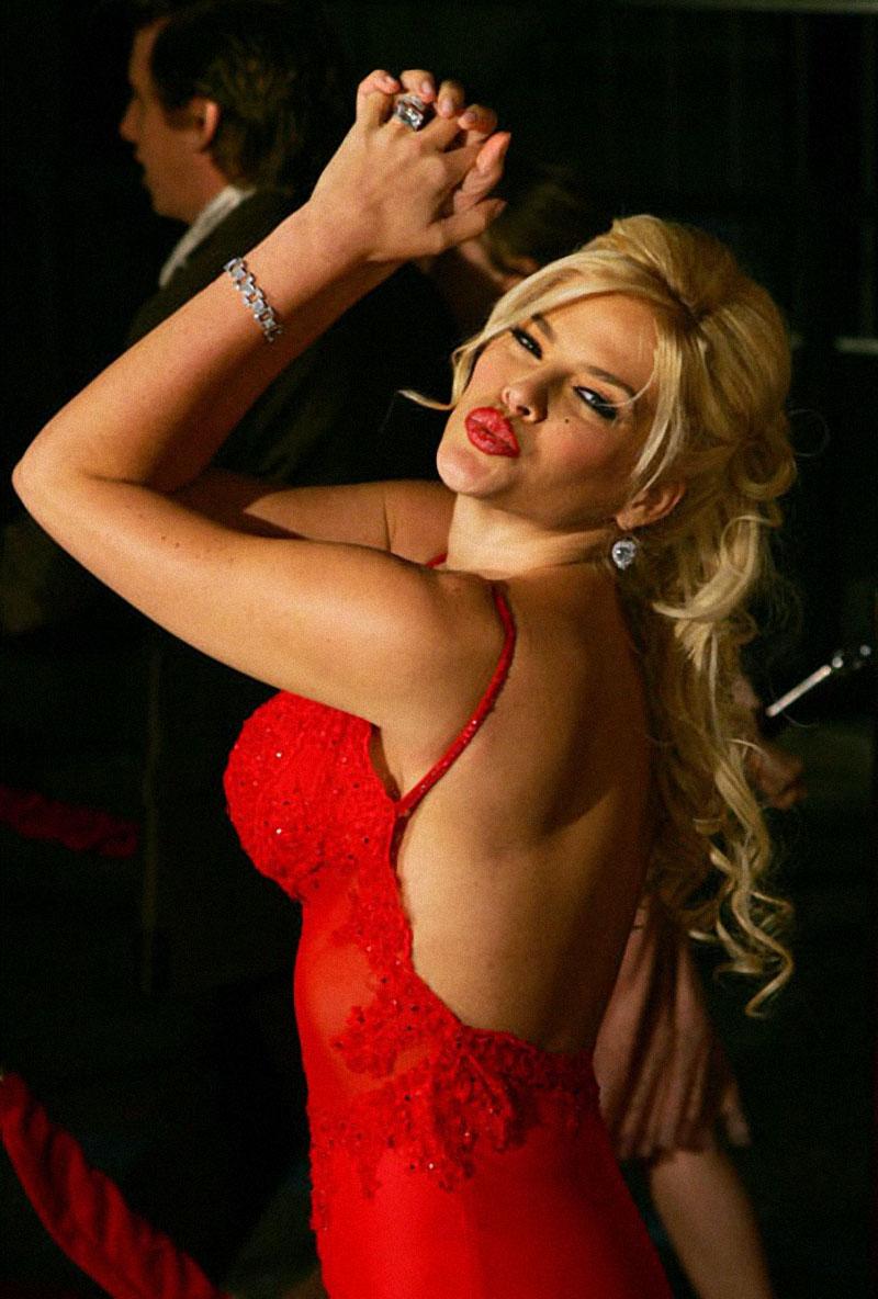О жизни покойной звезды Playboy Анны Николь Смит была написана и поставлена опера силами одного из с