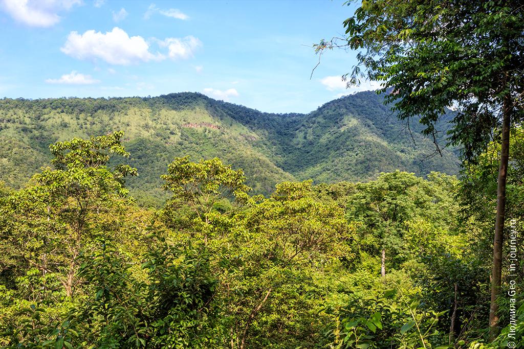 горные вершины в парке эраван