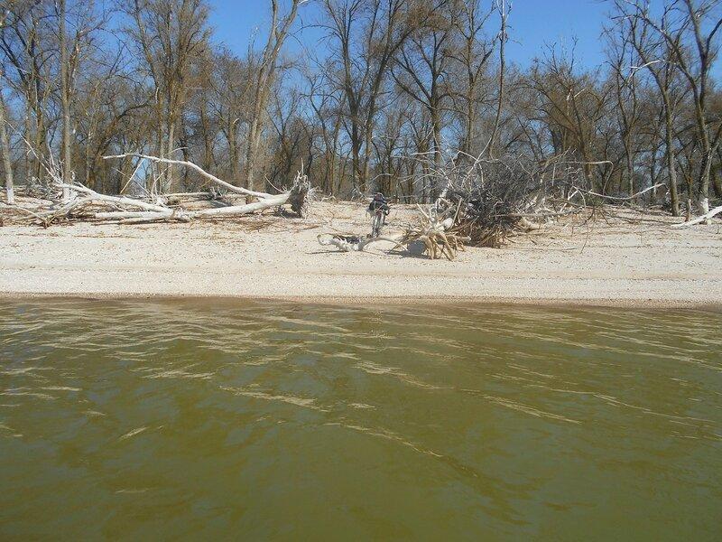 На воде, у знойного берега ... DSCN4221.JPG