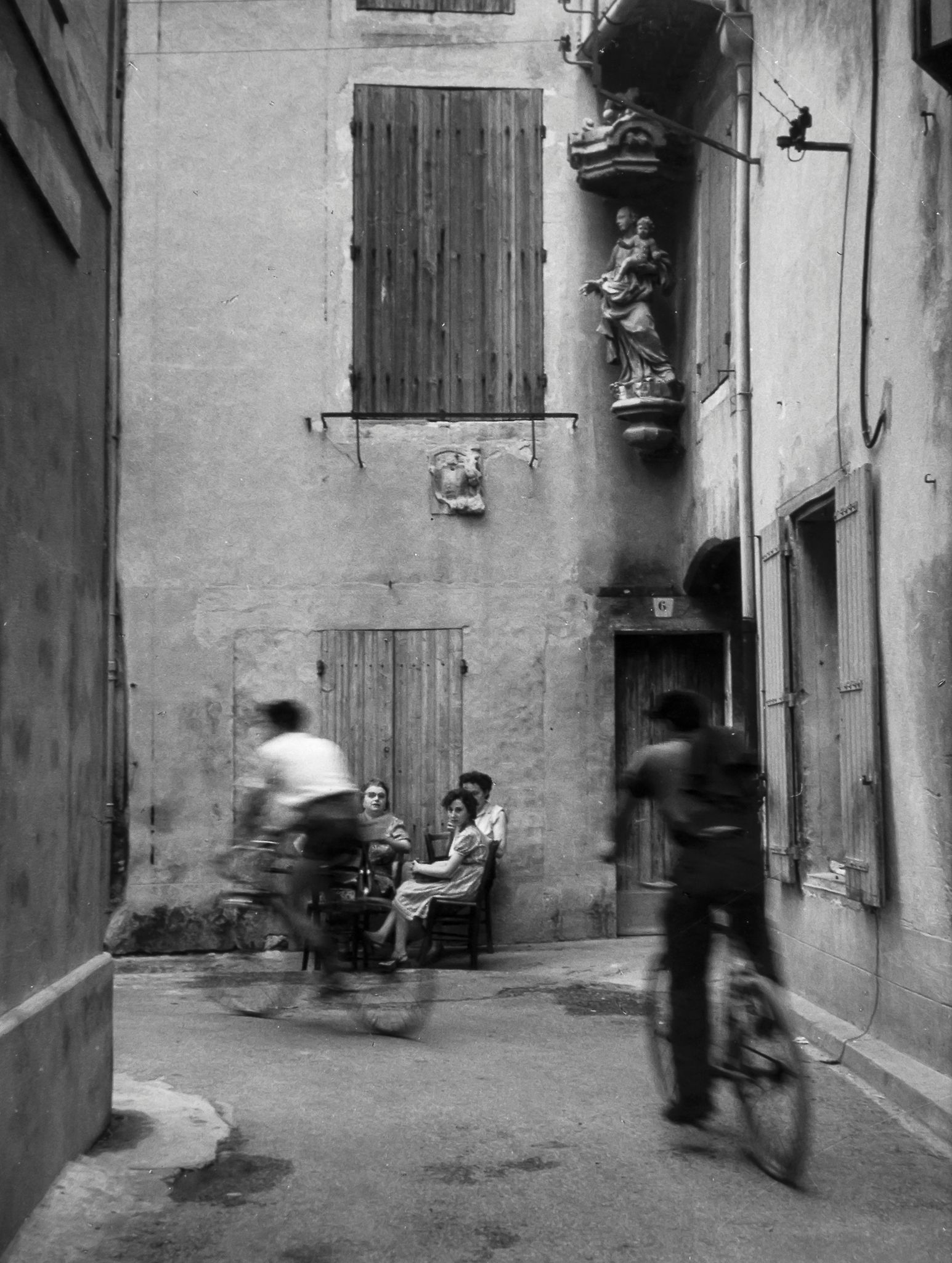1954. Боллен
