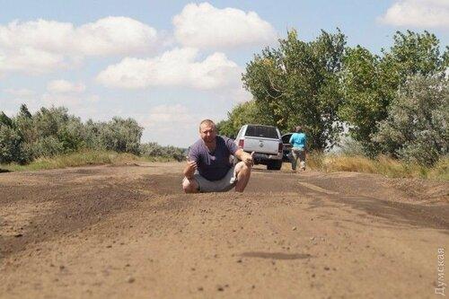 Одесская область - ямы на дорогах, глубиной по колено