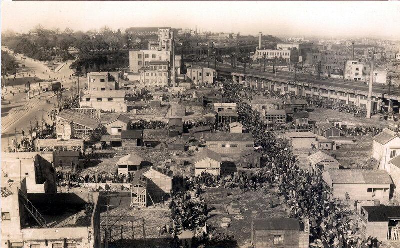 Ueno Hirokoji, black market, 1945.jpg