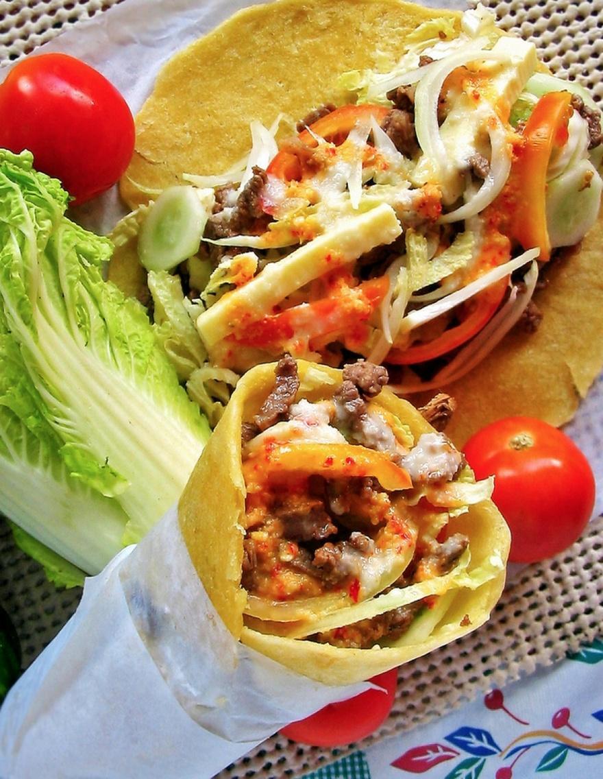 31. ОАЭ Самым вкусным блюдом в ОАЭ и при этом доступным по цене считается шаурма. Делают ее из питы,