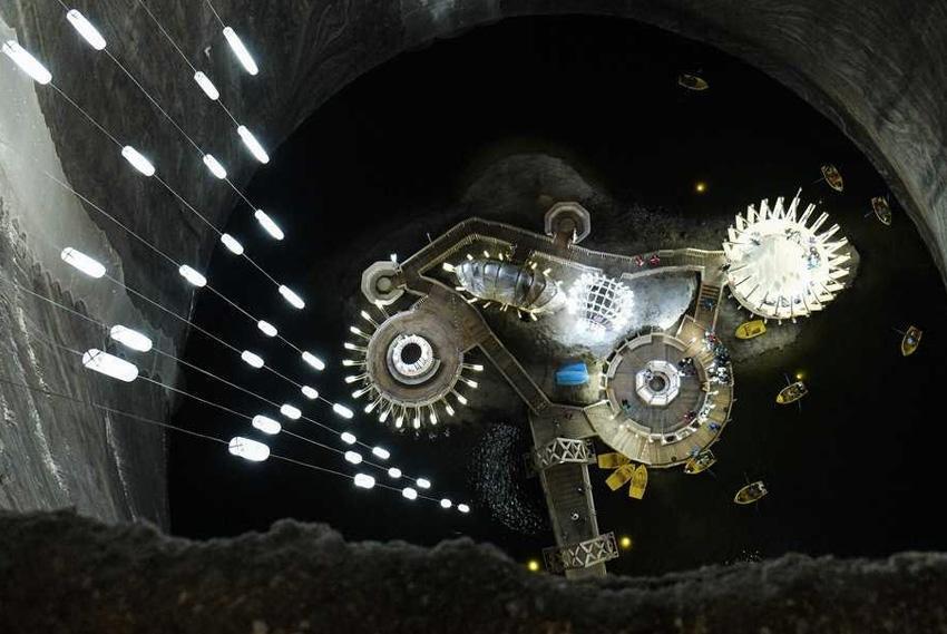 22. Салина Турда, Румыния Когда-то на этом месте была гигантская соляная шахта, которую со временем