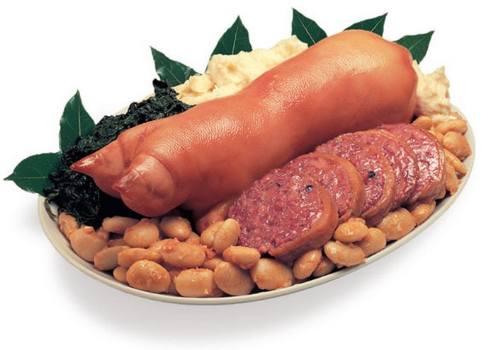 9. Диета из свиных ножек В процессе этого необычного лечения достаточно всего лишь кушать, причем в