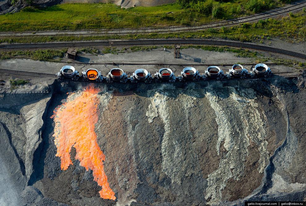13. За семь десятилетий комбинат выпустил 175 миллионов тонн кокса, 120 миллионов тонн агломера