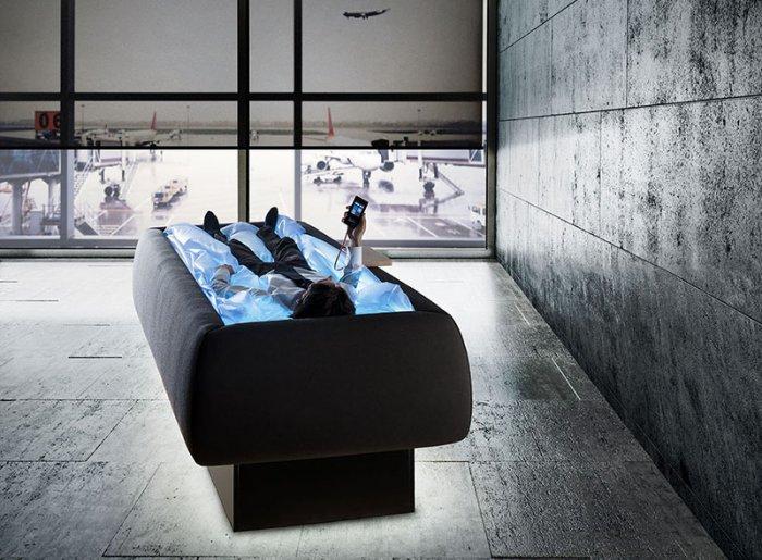 Несмотря на то, что пользователь не намокает, по сути, бассейн-кровать представляет собой водный бас