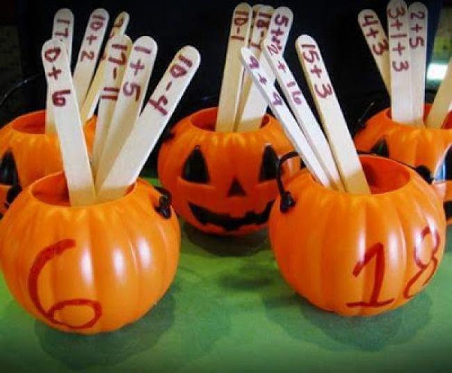 © www.manualidadesytips.com  Как играть Пронумеровываем стаканчики до нужной нам цифры. Также