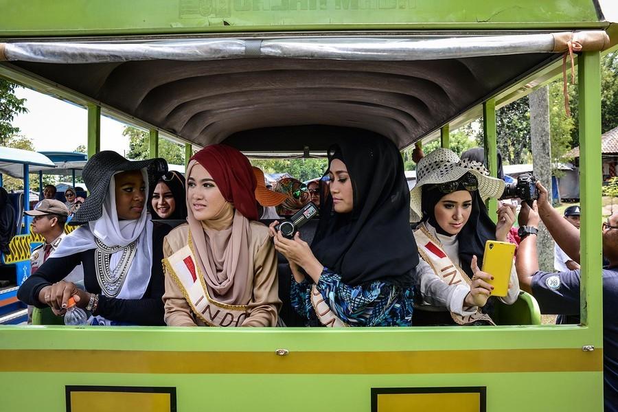4. Также важной задачей устроителей конкурса является показать, что мусульманским женщинам не чуждо