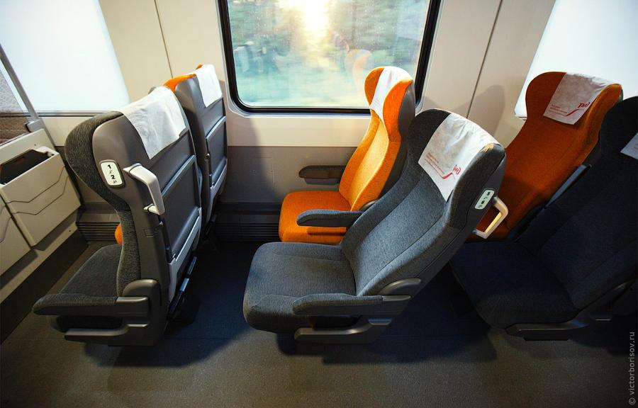 18. Чем удивителен вагон второго класса? Здесь не менее удобные сиденья с возможностью регулировки к