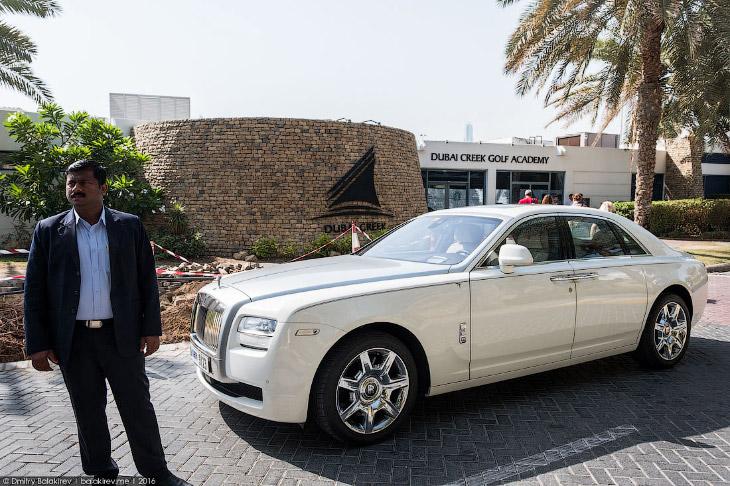 2. Маршрут включал все символы Дубая: район Марина, насыпной остров «Пальм Джумейра», архипелаг «Мир