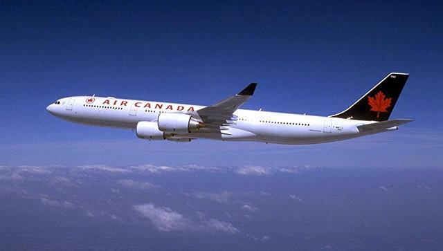Наборту летевшего вЛондон самолета скончалась девочка