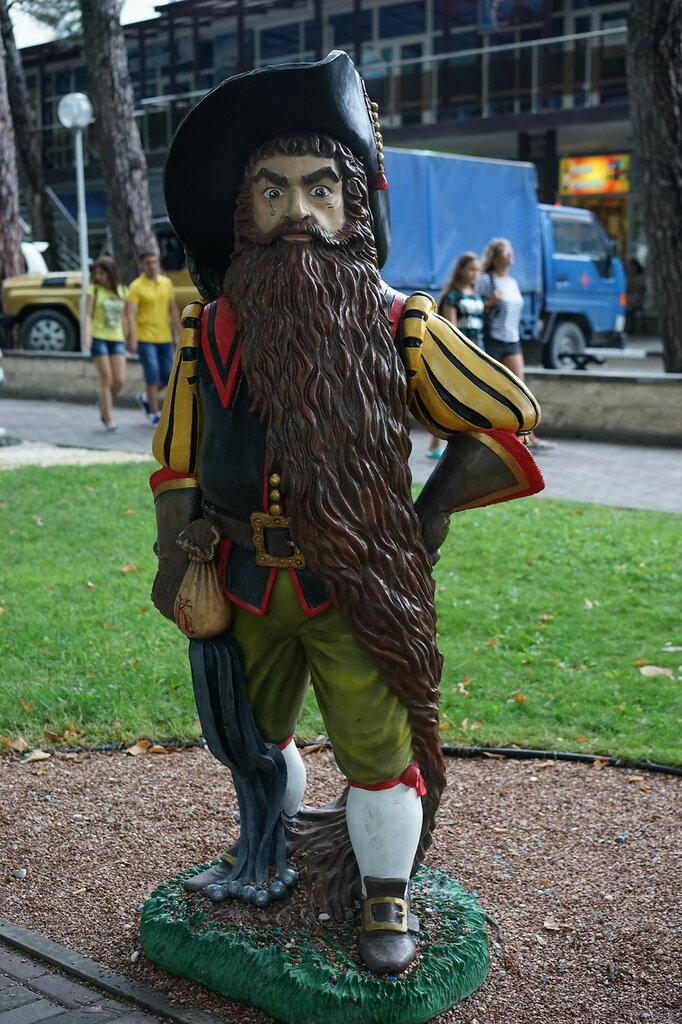 Скульптура Карабас-Барабас (Город Сказок, г.Геленджик)