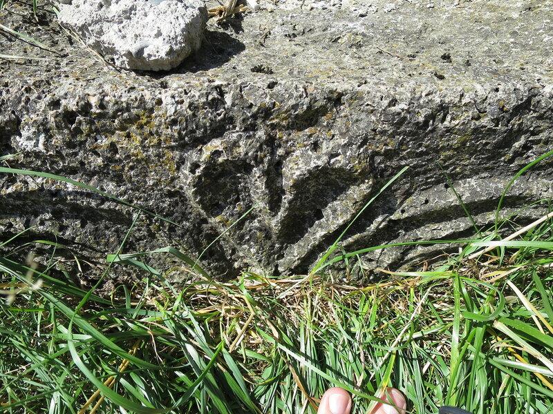 Камень в основании храма, Тхаба-Ерды