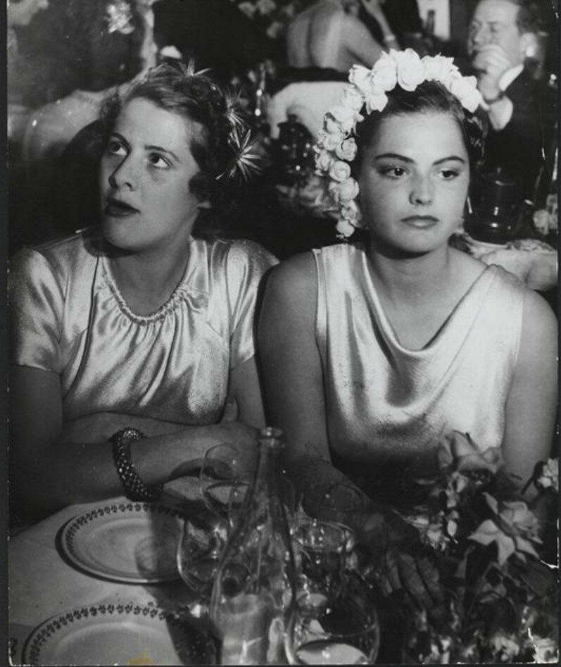 1937. Вечер в посольстве