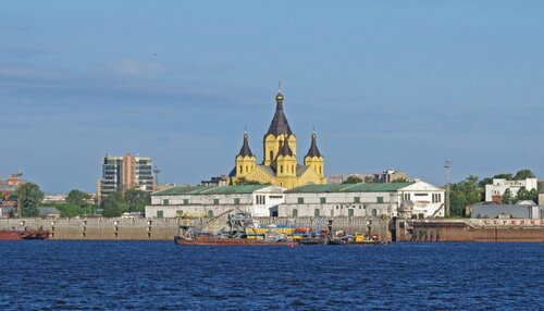 Вид на Собор св. Александра Невского