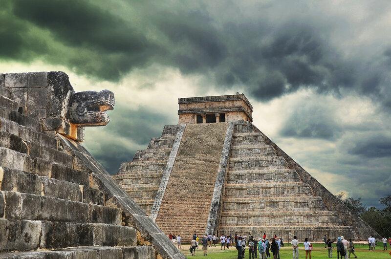 Chichen Itza, La Piramide de Kukulcan (El Castillo).