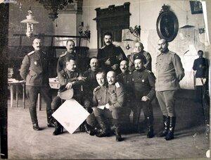 Группа чинов оперативного отделения штаба армии.