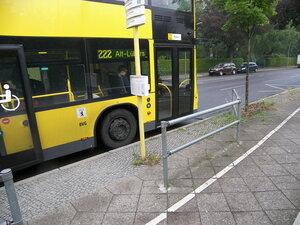 2015-07-07  Berlin / Alt-Tegel = остановка общественного транспорта, с расписание вкакие часы и в какие минуты придет конкретный автобус. Как раз подошел очередной. Не мог не заснять :)