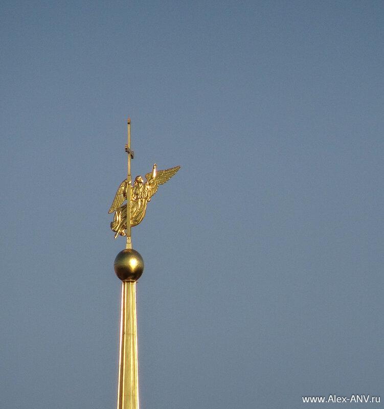 Ангел на шпиле Петропавловки