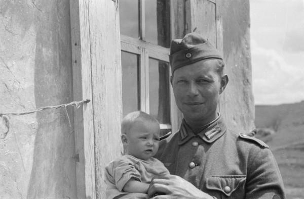 Фото немцев с детьми